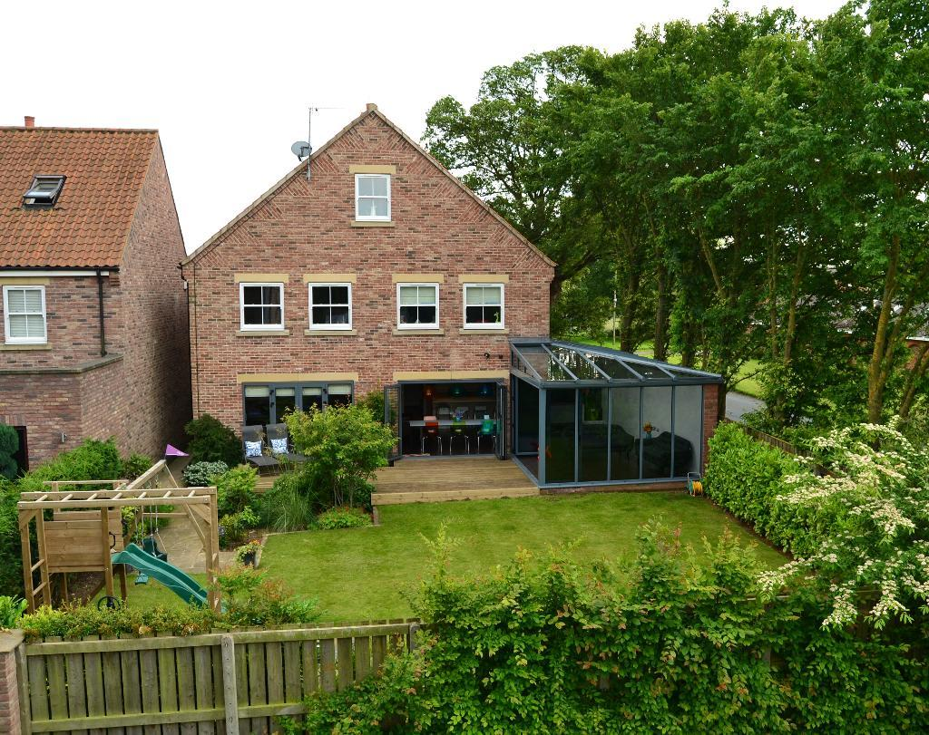 5 Bedroom Detached in Monckton Rise, Newbald, YO43 4RX
