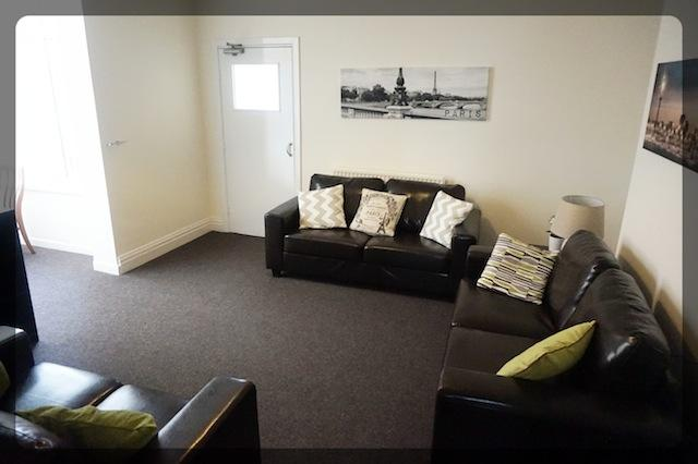 1 Bedroom Room in 853 Holderness Road, Hull, HU8 9BA