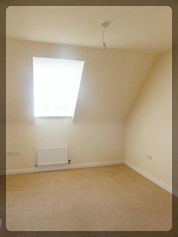 3 Bedroom Semi-Detached in Runnymede Lane, Kingswood Park, Hull, HU7 3AD
