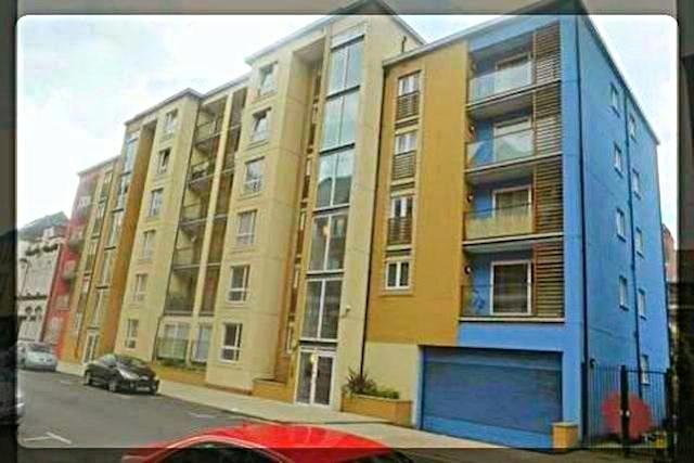 1 Bedroom Apartment in The Sawmill, 19 Dock Street, Hull, HU1 3AH