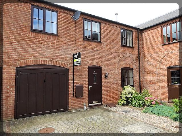 3 Bedroom Country Cottage in Castle Farm Court, South Cave, HU15 2FH