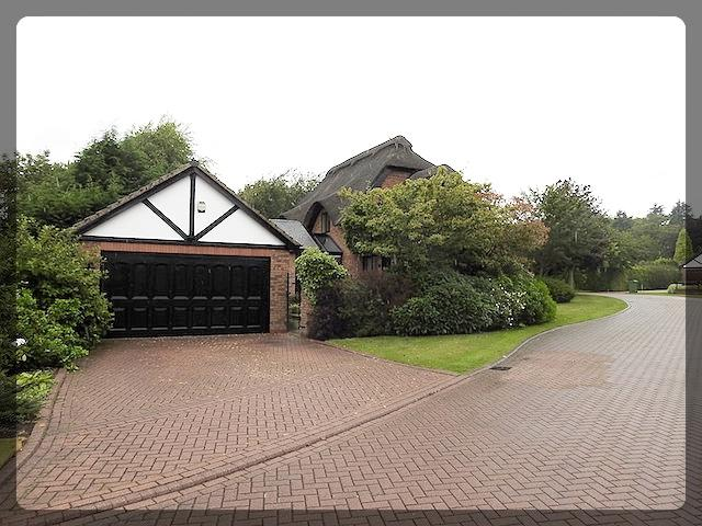 4 Bedroom Detached in Humberdale Close, Swanland, HU14 3NS