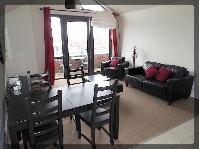 2 Bedroom Luxury Apartment in Freedom Quay, Railway Street, Hull Marina, HU1 2BE