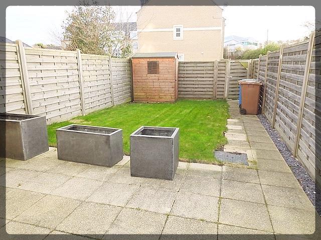 3 Bedroom Terraced in Great Gutter Lane East, Willerby, Hull, HU10 6FL