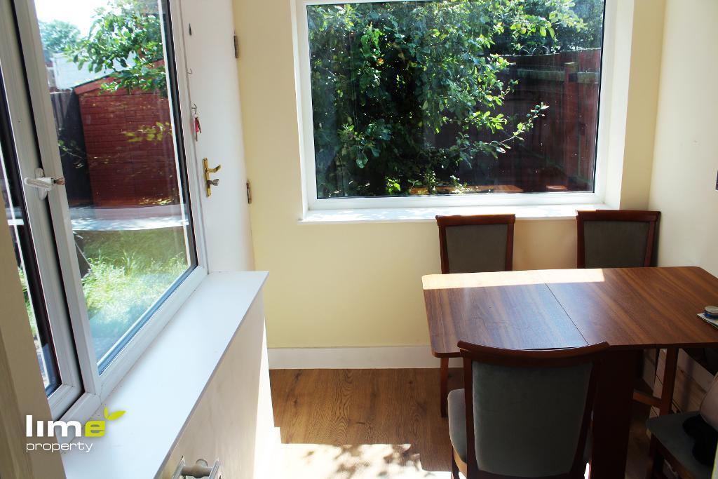 1 Bedroom Room in Clough Road, Hull, HU5 1QJ