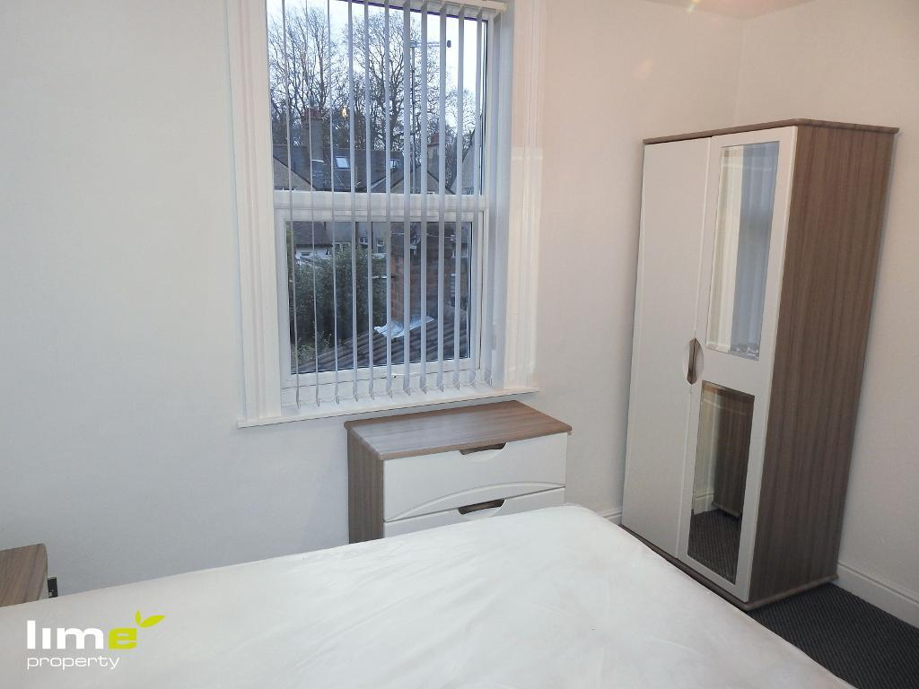 1 Bedroom Room in Jalland Street, Hull, East Yorkshire, HU8 8RB